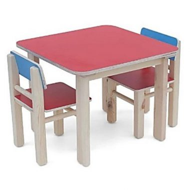שולחנות וכסאות