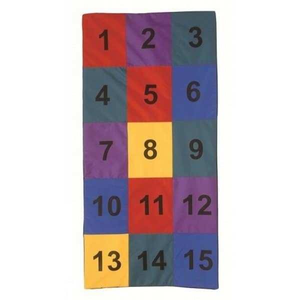 מזרן קפיצה עם מספרים ומשבצות לגן הילדים