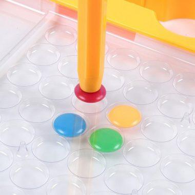 משחק כפתורים ועט מגנטי