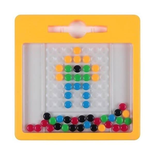 משחק לוח כפתורים מגנטי