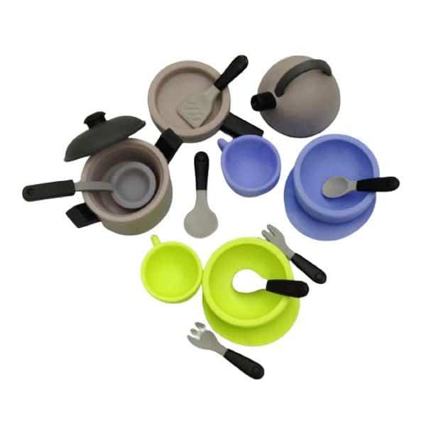 סט כלי אוכל ומטבח מסיליקון בקופסת אחסון